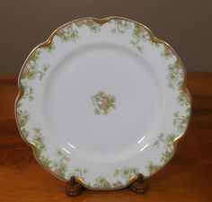 Very rare in this pattern - dinner plates.