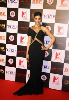 Deepika Padukone Looks Super Sexy In a Black Revealing Dress At Film 'Piku' Success Meet In Mumbai ★ Desipixer  ★