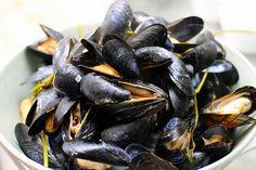 steamed mussels by smitten, via Flickr