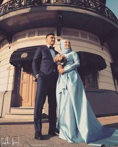 muslimweddingideasMashaAllah ♥ Stunning photo by Muslim Brides, Muslim Couples, Post Wedding, Wedding Photos, Wedding Ideas, Romantic Couples, Wedding Couples, Wedding Hijab, Wedding Dresses