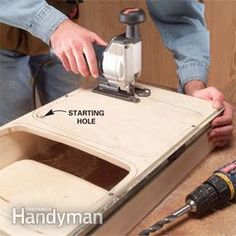 Build simple rollout shelves and bring everything in your cabinets within easy reach Pull Out Kitchen Shelves, Kitchen Base Cabinets, Kitchen Cabinet Storage, Kitchen Drawers, Storage Cabinets, Kitchen Organization, Kitchen Pantry, Kitchen Hacks, Kitchen Stuff