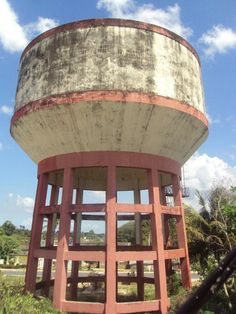 Water tower of Moron, Cuba Cayo Coco Cuba, Cuban Decor, Tank I, Building Art, Amazing Buildings, Water Tower, Travel List, Modern Architecture, Lighthouse