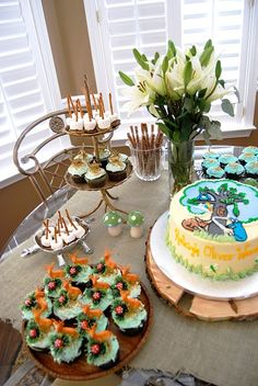 friends of the forest baby shower abodelove.blogspot.com