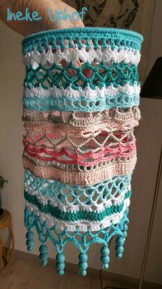 Crochet Lamp, Crochet Poncho, Love Crochet, Easy Crochet, Crochet Stitches, Crochet Patterns, Crochet Curtain Pattern, Crochet Curtains, Deco Boheme