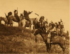 Fall of the mighty – the once great Sioux tribe now struggles with poverty, unemployment, homelessness and alcoholism. These pictures trace the history of the Indians on the Pine Ridge reservation in South Dakota, from 1890 to the present day Native American Flute, Native American Photos, Native American Tribes, Native American History, American Indians, Native Americans, American Life, American Quotes, American Symbols