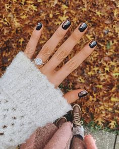 """makayla mcafee on Instagram: """"Latest manicure with @stellaandshay 🖤 Wanted to do something that I've never done before... so we went with copper foil & rose gold…"""""""