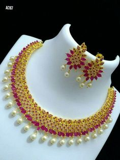 Gold and ruby jewellery set Gold Ruby Necklace, Gold Jhumka Earrings, Gold Mangalsutra, Ruby Jewelry, India Jewelry, Wedding Jewelry, Jewelery, Gold Jewelry, Necklace Set