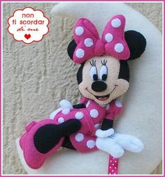 Disney Plush, Baby Disney, Felt Crafts, Diy And Crafts, Minnie Mouse, Craft Projects, Sewing Projects, Felt Angel, Storybook Characters