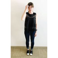 Not sure why Monday face is happening on a Thursday?!  | Sheer embroidered tulle top in black from @madewell1937 and skinny jeans from @jcrew ☂ #howtojcrew #ootd #aotd