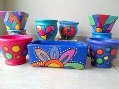 Macetas                                                                                                                                                                                 Más Flower Pot Art, Flower Pot Crafts, Clay Pot Crafts, Painted Plant Pots, Painted Flower Pots, Pots D'argile, Clay Pots, Pottery Painting, Ceramic Painting