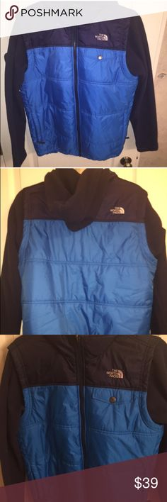 Boys Northface Coat Perfect condition Northface coat with fleece sleeves and fleece hood.  This cot has served my son well.  Let it keep your child warm next.  ☃️ The North Face Jackets & Coats Puffers