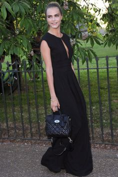 Cara Delevingne Photos - Cara Delevingne attends the annual Serpentine Galley Summer Party at The Serpentine Gallery on July 2014 in London, England. - Arrivals at the Serpentine Gallery Summer Party Cara Delevingne, Celebrity Red Carpet, Celebrity Dresses, Celebrity Style, Tomboy Fashion, Sport Fashion, Tomboy Style, Style Fashion, Vogue Portugal