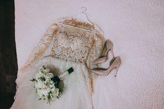 Scopriamo insieme quali saranno i modelli che andranno di moda quest'anno. Le scarpe Flat sono proposte da grandi marchi.  #scarpe #scarpedonna #scarpesposa #sposa2019 #trend2019 #sposascarpe #scarpedasposa #sposa #matrimonio #nozze Wedding Dresses, Fashion, Bride Dresses, Moda, Bridal Gowns, Wedding Dressses, La Mode, Weding Dresses, Fasion