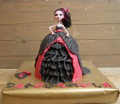 Tarta muñeca Draculaura