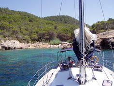 """Viaje en velero por la Isla de Ibiza y Formentera durante una semana en uno de nuestros viajes que organizamos """"plaza a plaza""""."""