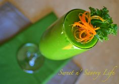 Sweet n' Savory Life: Tropical Orange Kale Smoothie Nutritious Smoothies, Yummy Smoothies, Juice Smoothie, Yummy Drinks, Healthy Drinks, Smoothie Recipes, Healthy Eats, Vitamin K, Breakfast On The Go