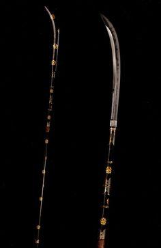 Naginata mounted in a koshirae.