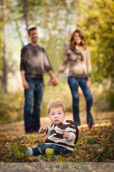 Fall Family photography... i like that the parents are in the picture but not the focus of the picture...