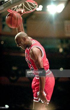 Fotografia de notícias : Chicago Bulls All-Star forward Michael Jordan... #NBA