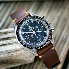 #speedytuesday with our Brown Horween Chromexcel Classic Vintage Strap
