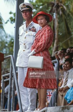 The Queen and Prince Philip in Kiribati, on the Royal Tour of the South Pacific, October 1982 Get premium, high resolution news photos at Getty Images English Royal Family, British Royal Families, Danish Royal Family, Elizabeth Queen Of England, Prince Philip Queen Elizabeth, Casa Real, Royal Queen, King Queen, Edinburgh