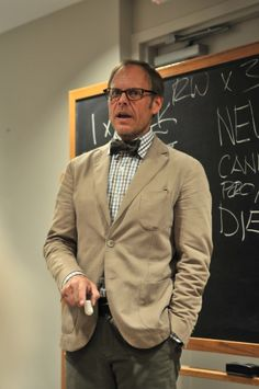 Alton Brown - absolutely brilliant chef