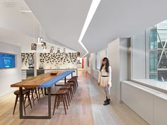 Love the table!  The Creative Class: 4 Manhattan Tech and Media Offices | Projects | Interior Design