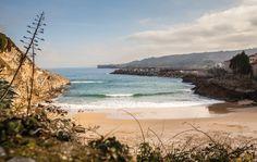Playa de El Sablón #Llanes #playa #beach #Asturias #ParaísoNatural #NaturalParadise #Spain Costa, Places To Travel, Places To See, Surf, Paraiso Natural, Parking, Playa Beach, Water, Outdoor