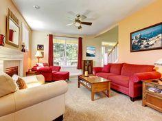 cortina curta para sala com sofá vermelho