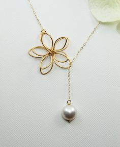Bridesmaids+Jewelry.+Gold+Flower+Necklace.14k+by+MenuetDesigns,+$32.50