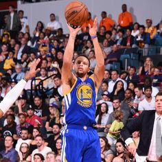 Steph led the Warriors with 32 points a 2016 preseason high!...
