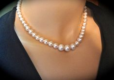 Freshwater pearl necklace - AA White pearls - Classic - Graduating pearl necklace - Beautiful luminous pearls - Bridal Jewelry -
