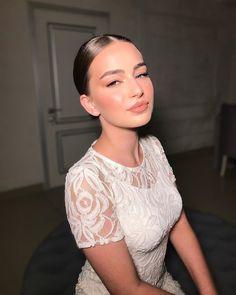"9,035 mentions J'aime, 31 commentaires - Amanda Kokoeva 💍 (@amanda_kokoeva) sur Instagram: ""Pure beauty.  Hair: @yana___hairstyles Makeup: @amanda_kokoeva @glo__la"" Fresh Makeup Look, Day Makeup Looks, Simple Makeup Looks, Bridal Makeup Looks, Indian Bridal Makeup, Nude Makeup, Beauty Makeup, Hair Makeup, Hair Beauty"