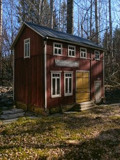 dollhouse scale 1:12 Cool Store, Facade, Shed, Layout, Outdoor Structures, Cabin, House Styles, Building, Miniatures