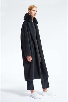 Sfilata Max Mara Atelier New York - Collezioni Autunno Inverno 2016-17 - Vogue