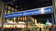 Die U-Bahnstation 'Engelbert-Brunnen / Bermudadreieck' wird zu 'Musikforum / Bermuda3Eck'