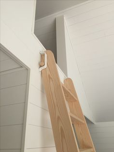 Detail of ladder to loft. The ladder can be leaned smoothly off the wall and pulled out when needed. The bracket ensures that the stairs do not slip … – All About Gardens Attic Rooms, Attic Spaces, Tiny Spaces, Tiny House Stairs, Loft Stairs, Guest Cabin, Attic Ladder, Loft Room, Sleeping Loft
