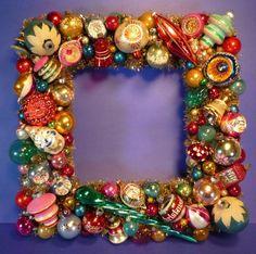Vintage - Ornaments Square Christmas Wreath