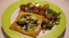 Bladerdeegtaartjes met artisjokken, spinazie en feta - recept   24Kitchen