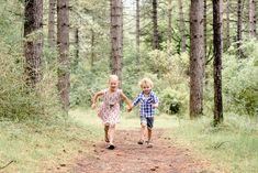 Familie fotoshoot in het bos in Haarlem door Happy Photographer.