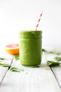 ruby grapefruit green smoothie ♥ free smoothies e-book
