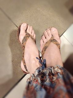 With my CIREBON Wedges in Vintage Batik Sogan by PRibuMI...® Cirebon, Fabric Patterns, Wedges, Dance, Sandals, My Style, Heels, Amazing, Bags
