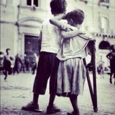 Aslında ihtiyacımız olan TEK şey  Bir dost`un desteği .. Zor zamanda omuz olanlardan  Olmayı Nasip et RABBİM bizlere