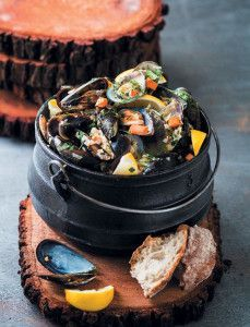 This potjie also makes an incredible starter.- This potjie also makes an incredible starter. This potjie also makes an incredible starter. Shellfish Recipes, Seafood Recipes, Turkish Restaurant, South African Recipes, Cake Flour, Mussels, Perfect Food, Salmon Recipes, Good Food