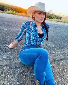 Cowboy And Cowgirl, Cowboy Hats, Vaquera Sexy, Reggae, Denim Jeans, Curvy, Booty, Cowgirls, Picasso