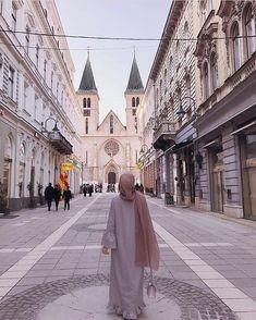 Abaya Fashion, Muslim Fashion, Modest Fashion, Casual Hijab Outfit, Hijab Chic, Hijabi Girl, Girl Hijab, Muslim Girls, Muslim Couples