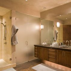 Bathroom SHOWER DOOR SITTING NEXT TO VANITY Design, Pictures, Remodel, Decor and Ideas - page 9