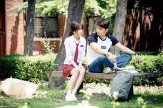 "Popcornfor2.com : ละครเรื่อง ""Let's Fight Ghost"" เผยภาพถ่ายชุดใหม่ของแทคยอน, คิมโซฮยอน และควอนยูล"