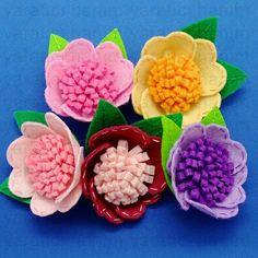 Items similar to 10 pcs - Handmade Flower felt appliques on Etsy Felt Roses, Felt Flowers, Diy Flowers, Fabric Flowers, Paper Flowers, Felt Diy, Handmade Felt, Handmade Flowers, Felt Crafts