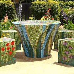 By Kim Emerson #mosaic #mosaico #mosaicart #mosaics Mosaic Planters, Mosaic Garden Art, Mosaic Vase, Mosaic Flower Pots, Glass Garden Art, Pebble Mosaic, Mosaic Diy, Mosaic Crafts, Mosaic Projects